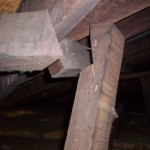 detached strut to roof frame